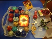 20 BAKUGAN Brawlers, 9 magnetic cards in carry case - Excellent condition.