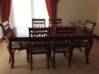 Excellent Condition dining table and six chairs
