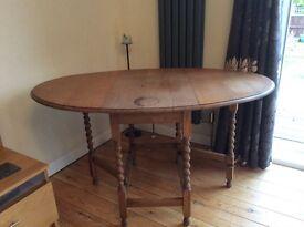 Table, oak gate leg