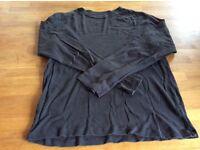 Gap long sleeve tshirt