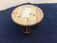 Pine Drop-Leaf Occasional Table (round)