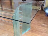Stunning glass dining table with 'wow' factor. Easily seats 6.