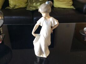 NAO by Lladro, lovely lady courtesying
