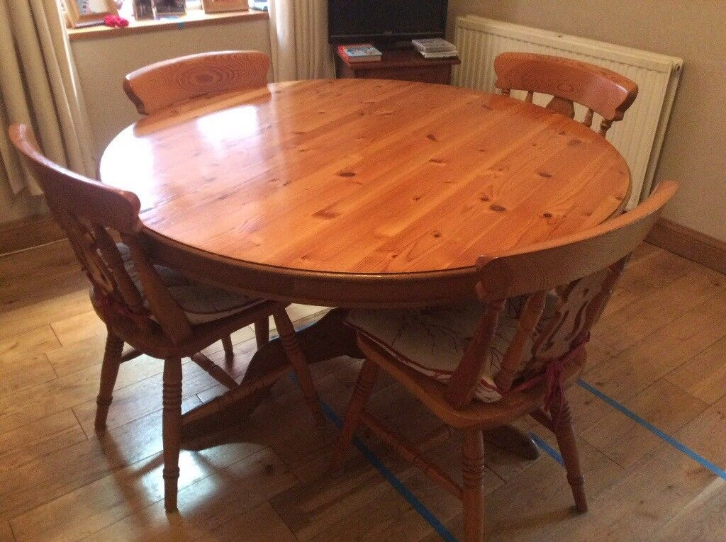 Solid Pine 48inch Round Dining Table And Chairs