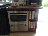 Siemens oven/microwave and warming drawer. Excellent condition. Believed to be under 4 years old.