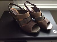 Clarks Ladies size 6 UK Shoes
