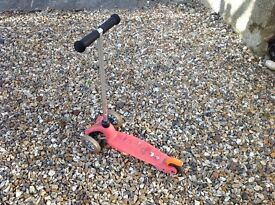 Pre owned Mini Micro Scooter in pink little used and in great condition