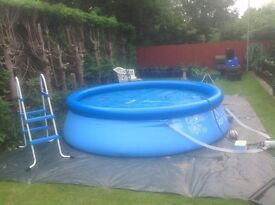 10ft round pool,with pump , solar cover and Pool cover