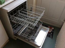 BOSCH ClassiXx Dishwasher. Full size. Good make.