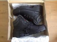 uvex Quatro Pro work boots in black. Brand new in box Size 46 - UK 11