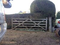 "11ft 5 bar tantalised softwood gate, galvanised hinges. Comes with two 80"" gate posts"