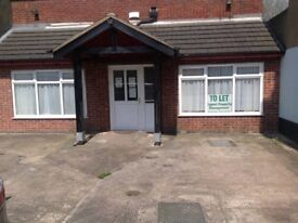 Ground Floor Flat, One Bedroom, Parking, Town Centre Location