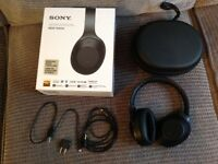 Sony MDR 1000X headphones wireless noise cancelling headphones