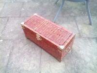 Wicker basket/trunk