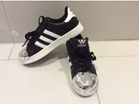 Adidas trainers NEW size 4UK