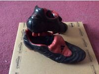 Adidas predators pulse blacked out size 9