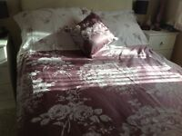 Mauve Double Duvet cover, 2 pillowcases and small pillow