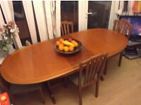 Gorgeous large extending maple effect dining suite - excellent condition
