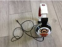 Paul Frank white Headphones, perfect xmass gift for any trendy teen. Comes with an original pouch.