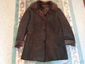 Vintage Black Sheepskin Coat Jacket (M)