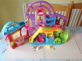 Polly pocket pet store