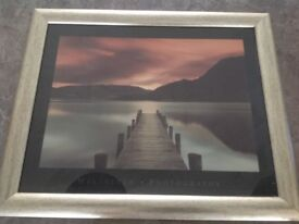 Print of lake in a nice frame in good condition
