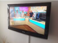 Samsung 32 inch LCD TV (Black) *Excellent Condition*