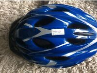 Male and female cycling helmets