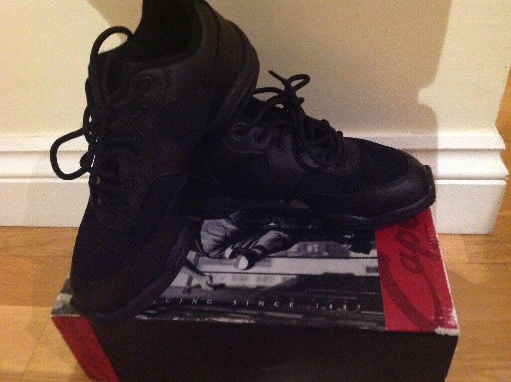 Jazz shoes - size 5