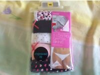 Ladies m & s knickers size 16 brand new