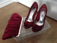Cerise Ladies Open Toe Court Shoes with Matching Handbag. Size 4