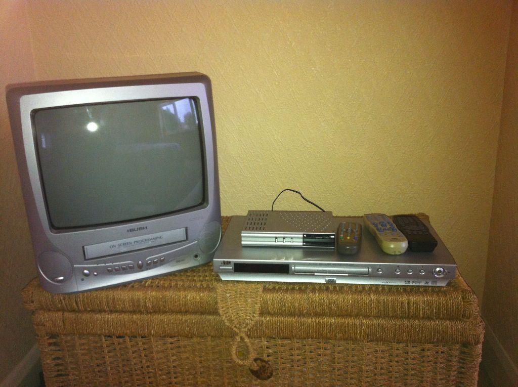 bush 14 portable tv video combi jvc dvd player digital set top box all with controllers. Black Bedroom Furniture Sets. Home Design Ideas