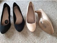 Mid heeled court shoes x2 size 9 wide