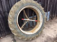 Pair of tractor dual wheels