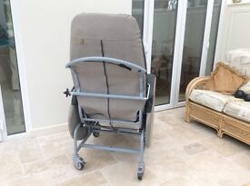 Chair, mobile, tilt in space, Florian 450