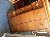 Vintage chest of 5 drawers