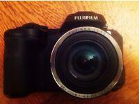SUPERB Xmas Bargain! Fuji s8650 16Mp Camera inc. 4Gb SD/Case