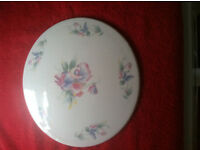 Aynsley China Little Sweetheart Pattern Gateau / Cake Plate. Very Good condition