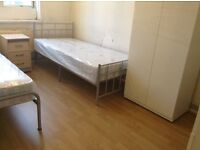 Bed to let in roomshare with Romania guy in flatshare at Stepney Green & Whitechaple