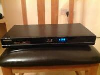 Samsung Blue ray player BD-P1600 with remote