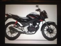 Honda CB125F , new model shape, very low mileage and as good as new, the perfect commuter bike
