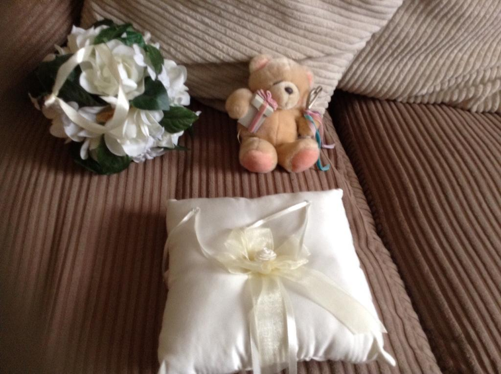 Wedding ring pillow/wedding flowers ball bouquet/small teddyin Croydon, LondonGumtree - Ivory wedding pillow small Ivory wedding ball bouquet small wedding teddyPlease check all photos carefullyAny questions please askPhone 07776 221692All my items are being sold to raise money for my sons charity projectCheck out my other itemsThank...