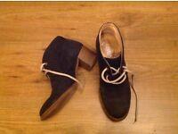 Kurt Geiger comfortable high heels. Blue. Size 4.5-5 or 37