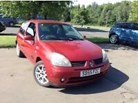2005 Renault Clio 1.1 full year mot ideal first car