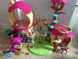 Enchantimals dolls playset