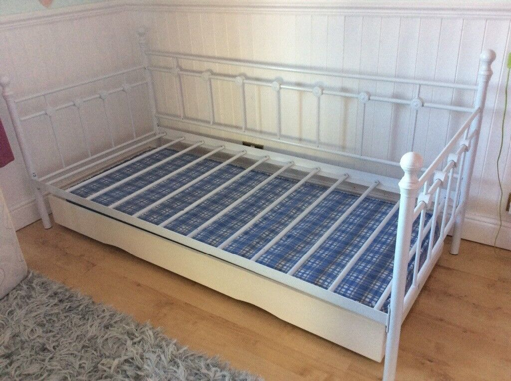 White Metal Girls Single Daybed With Wooden Under Bed Sleepover