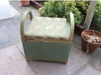 Lloyd lLoom style blanket box / ottoman /seat . Original 40s / 50s vintage .