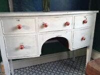 Shabby chic dressing table.