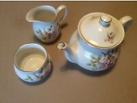 White and pink Floral teapot set