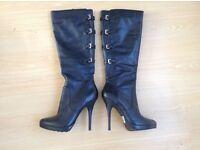 Ladies boots.size 5